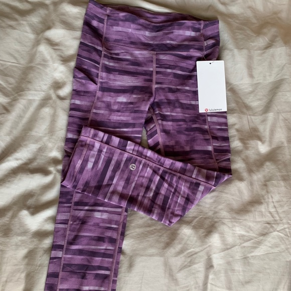 lululemon athletica Pants - Lululemon cropped leggings size 4